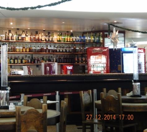 Restaurante Mademoiselle do Aeroporto do Galeão. 27.12.14 (800x717)