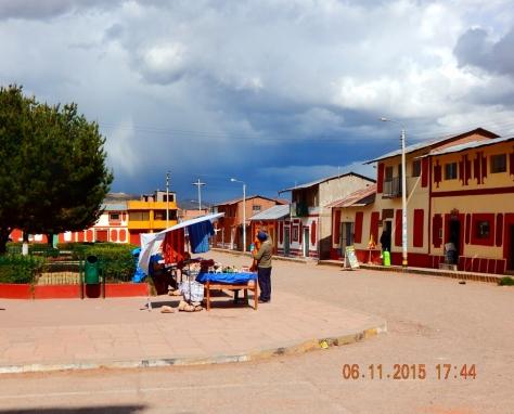 Praça em frente à Iglesia de San Pablo. Foto Marilia Boos Gomes.