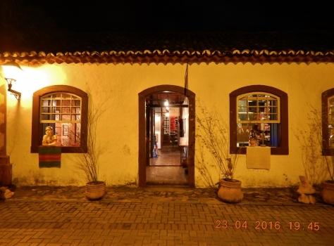 Casa de Artesanatos Artes e Tramóias.